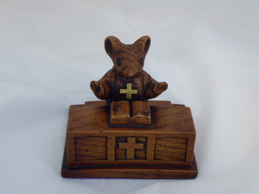 Church Mouse Ornament: At The Altar