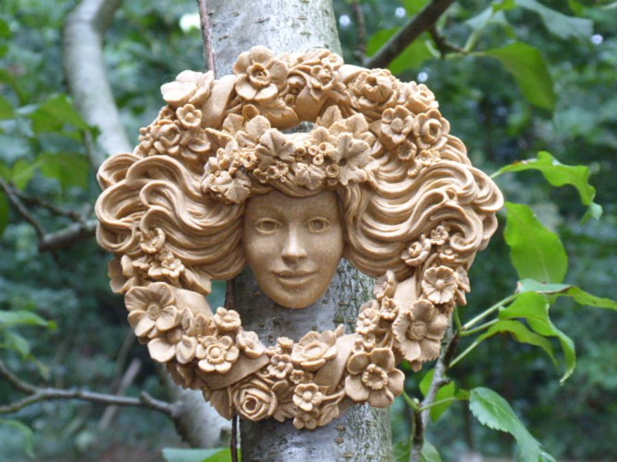 Garland Woman Wall Plaque