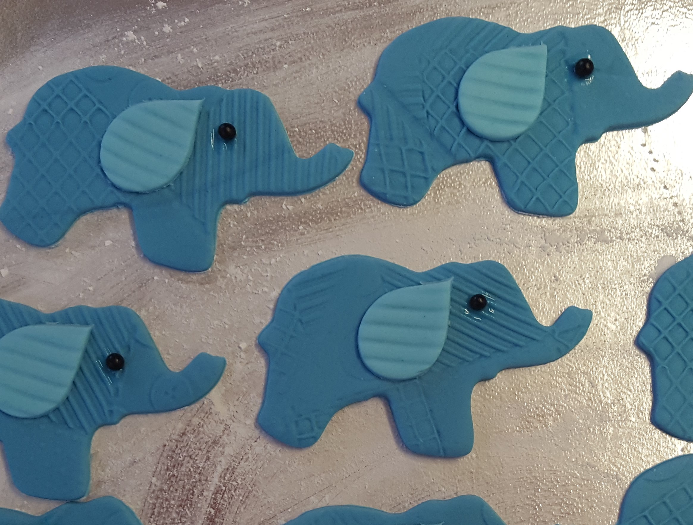 Elephants cupcake topper