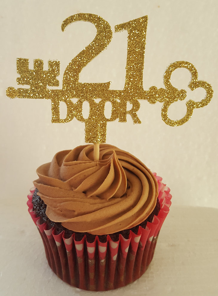 21 Key to the door, cake or cupcake topper