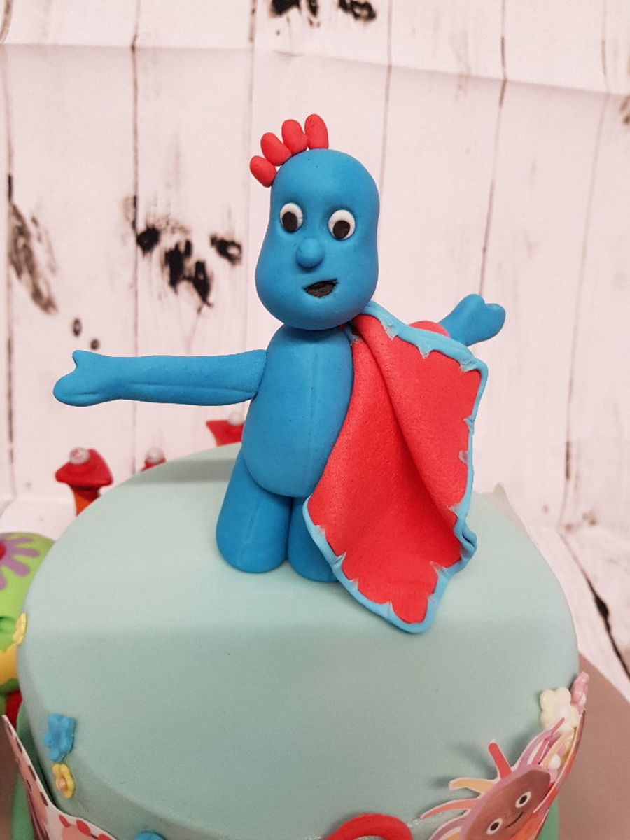 Iggle piggle in In the Night Garden cake topper