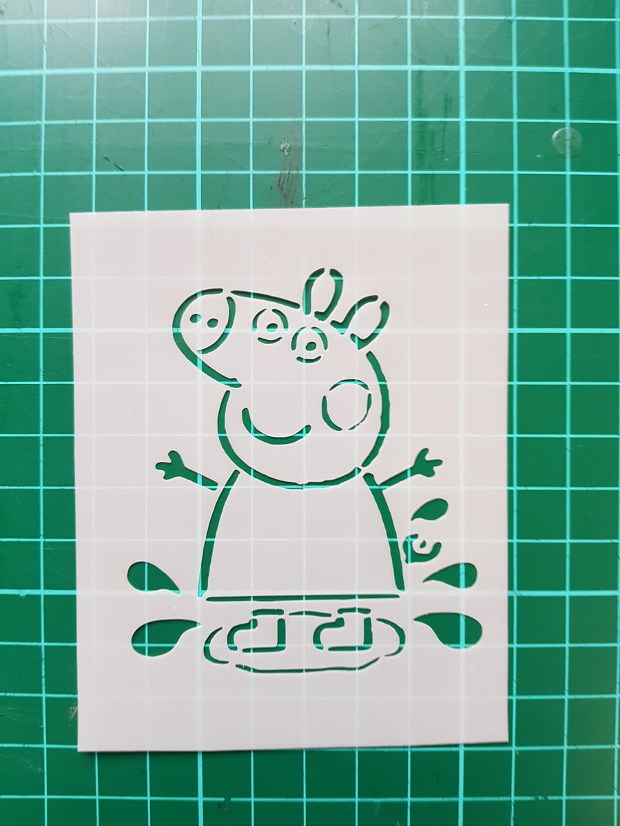 Peppa Pig stencil cake decorating