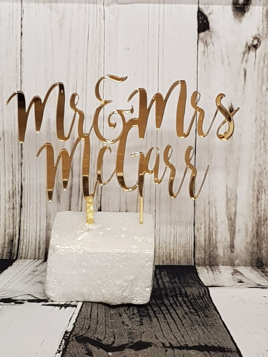 Mr & Mrs with name under acrylic cake topper Bromello