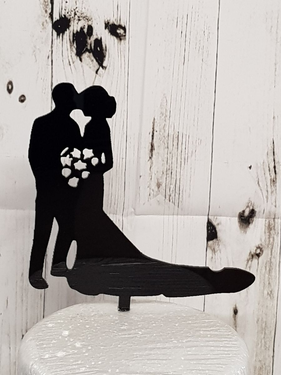 Mr & Mrs with flowers acrylic cake topper