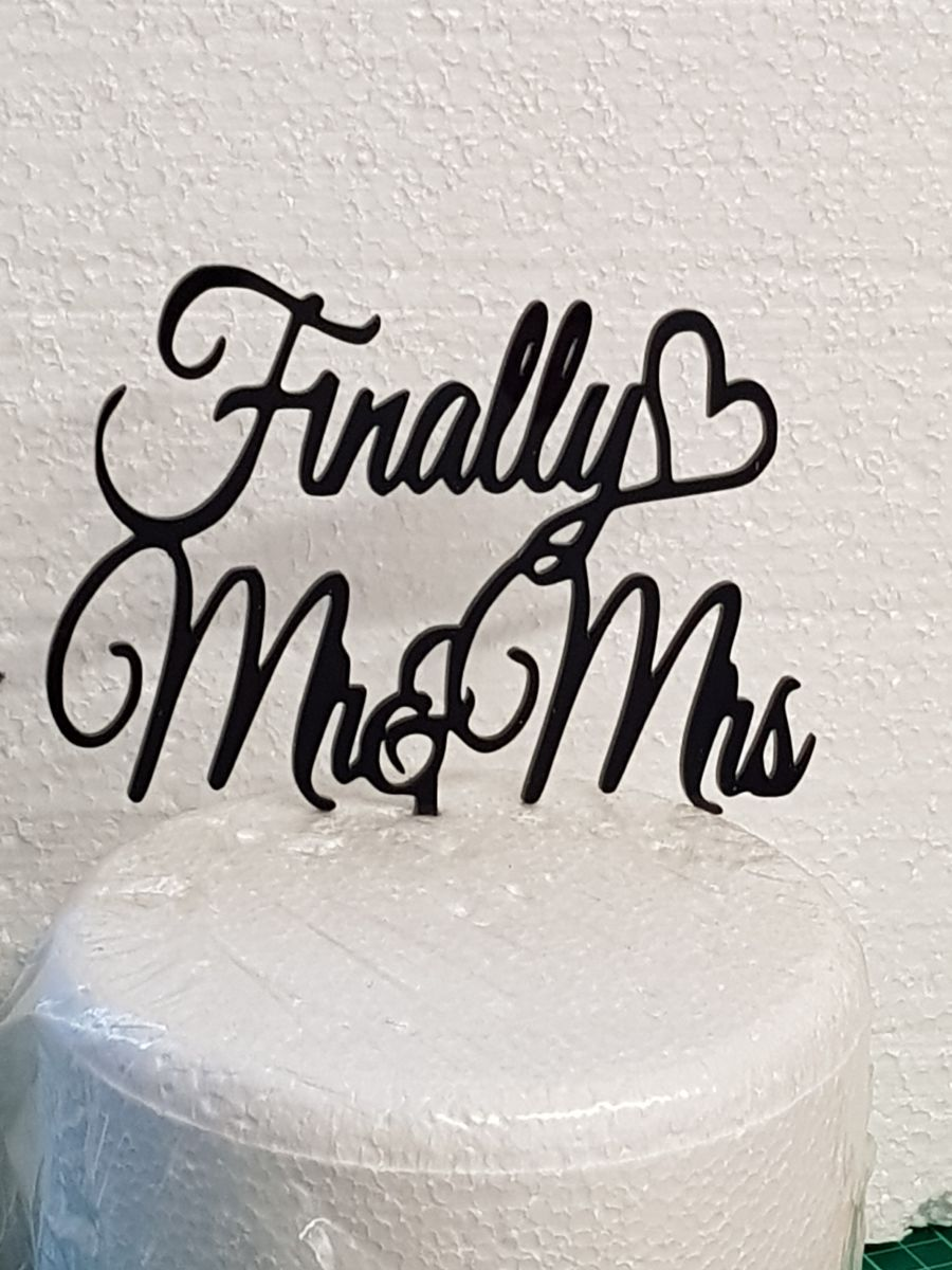 Finally Mr & Mrs with heart acrylic cake topper