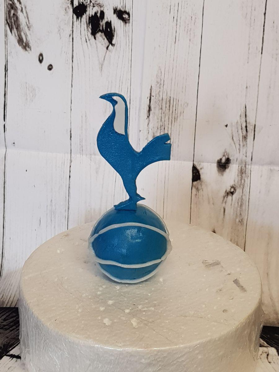 Gumpaste Tottenham Hotspur Foundation logo cake topper