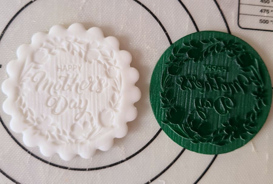 Happy mothers day with flowers round acrylic stamp for fondant