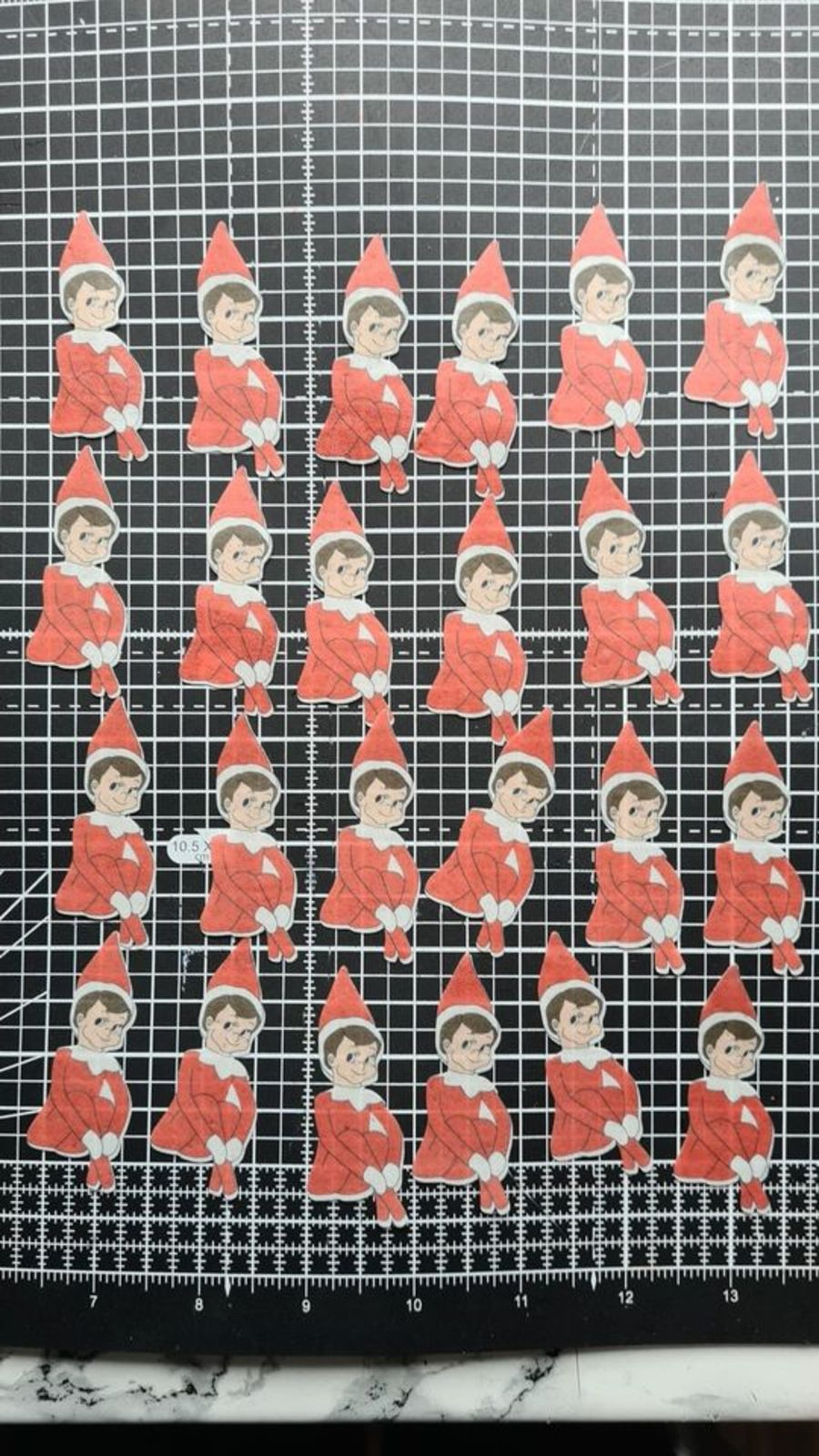 24 x elf on the shelf cupcake toppers icing sheet or wafer paper