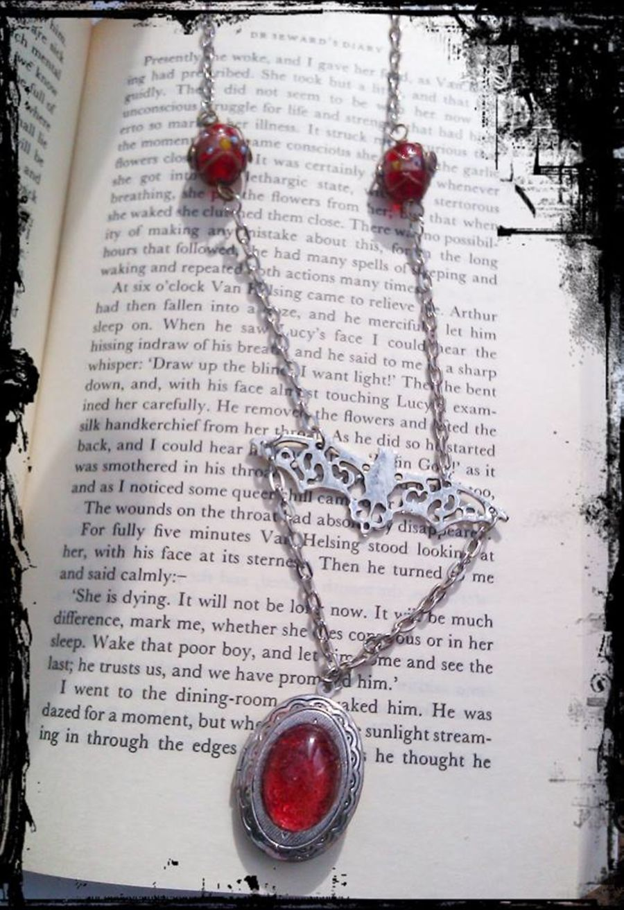 Vampire Gothic Bat Locket Pendant