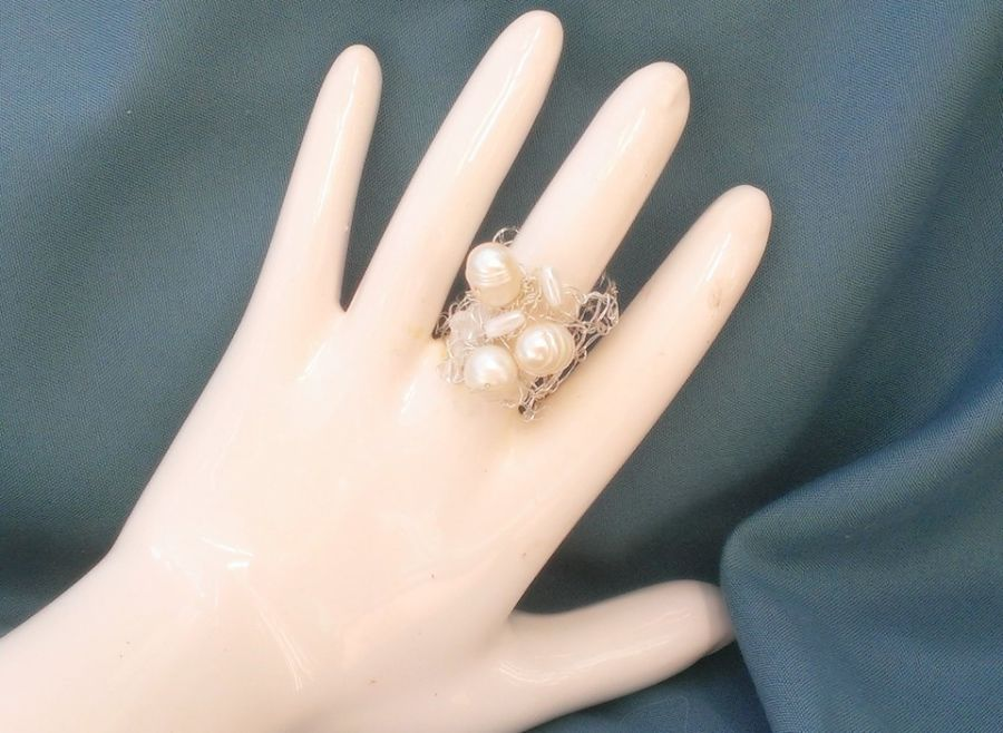 Crystal and Freshwater Pearl Knit Ring Size O would fit a P