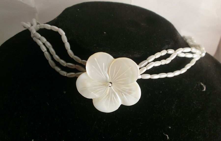 Mother of Pearl Flower Choker