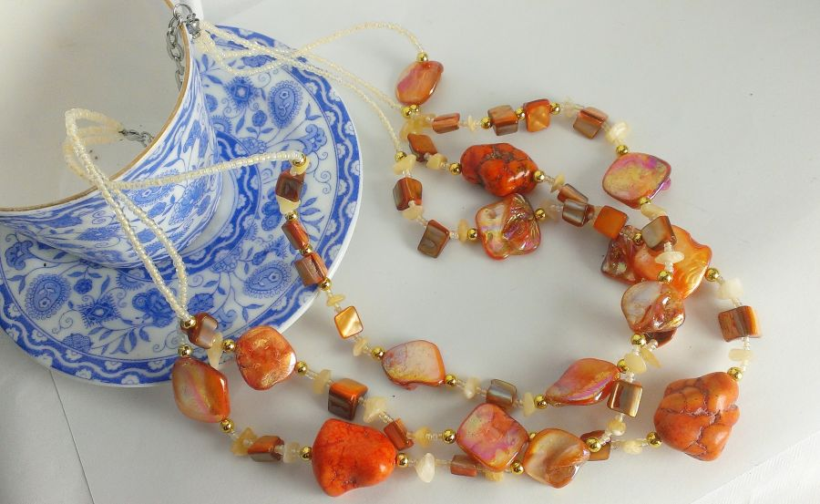 Mother of pearl howlett and citrine beaded necklace