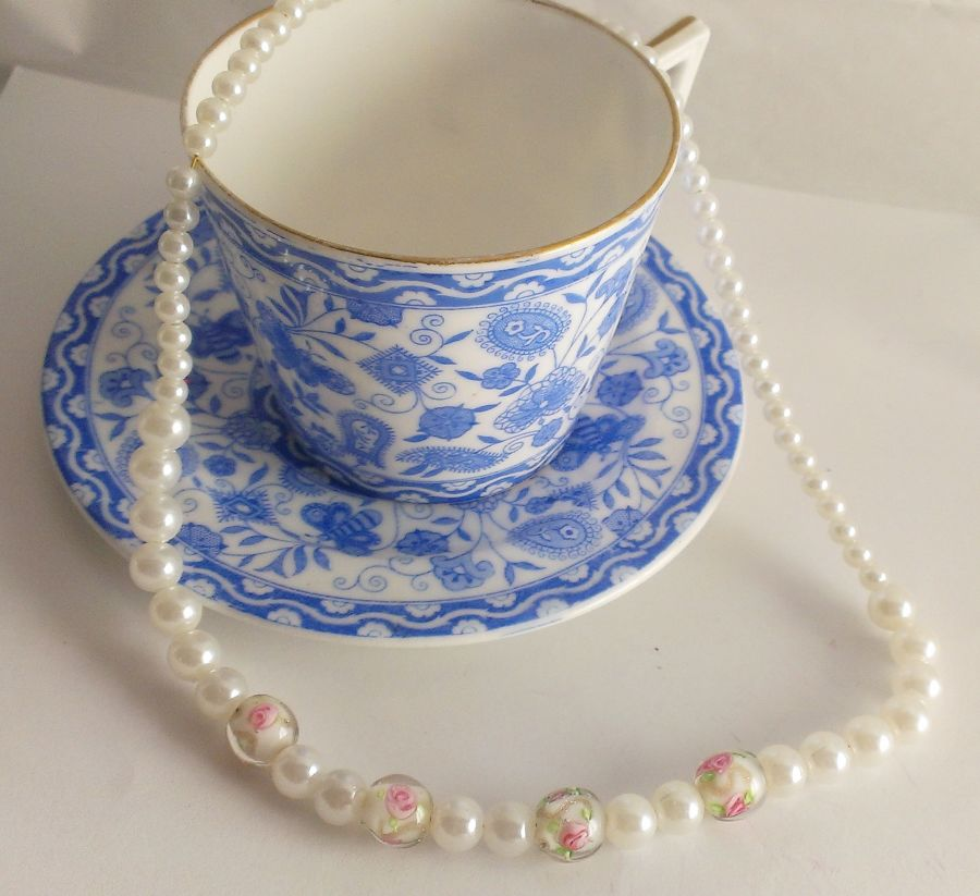 English tea rose painted bead faux pearl necklace vintage look