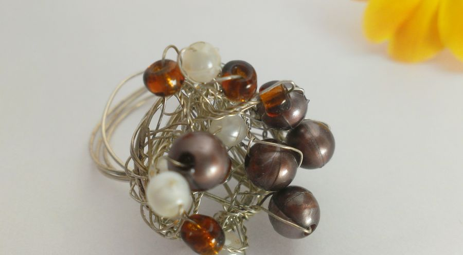Silver tone wire faux bronze and pearl ring size P