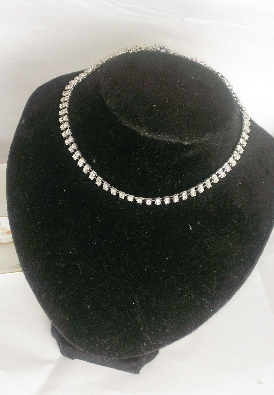 Diamante Choker