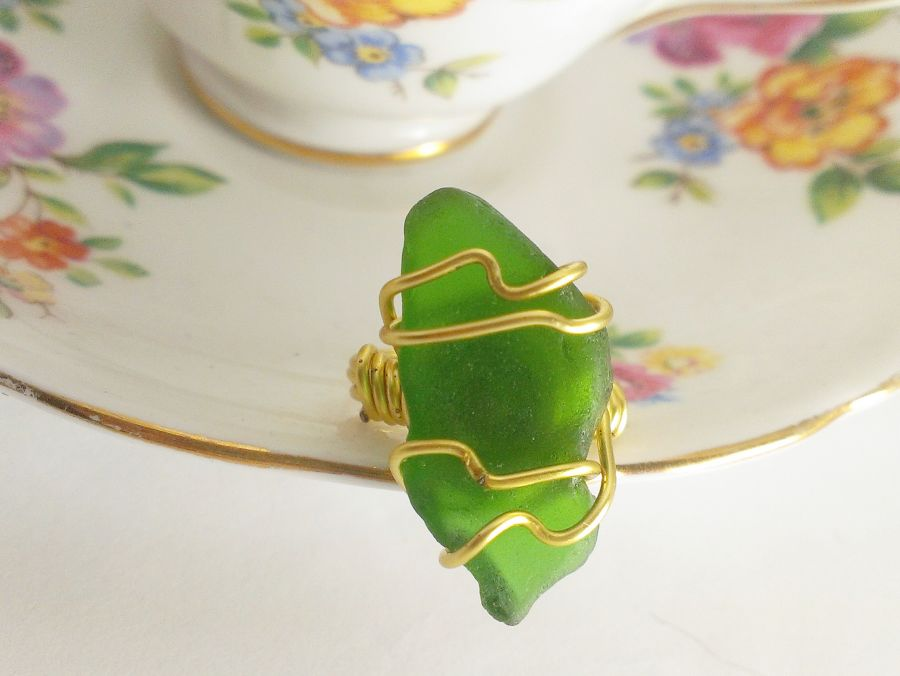 Green Sea Glass Gold Jewellery Wire Wrapped Ring Size L