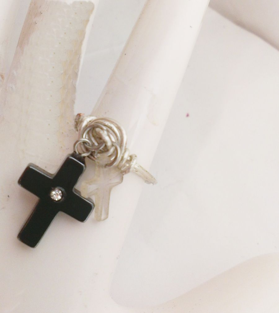 Hermitite And Crystal Cross Charm Midi Ring Size O