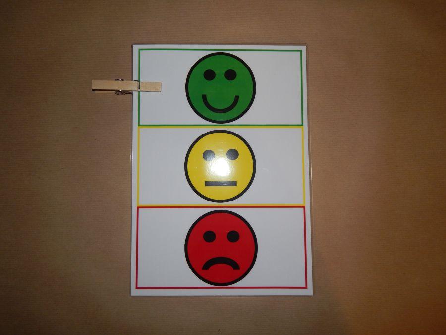 Children's peg behaviour chart - traffic lights