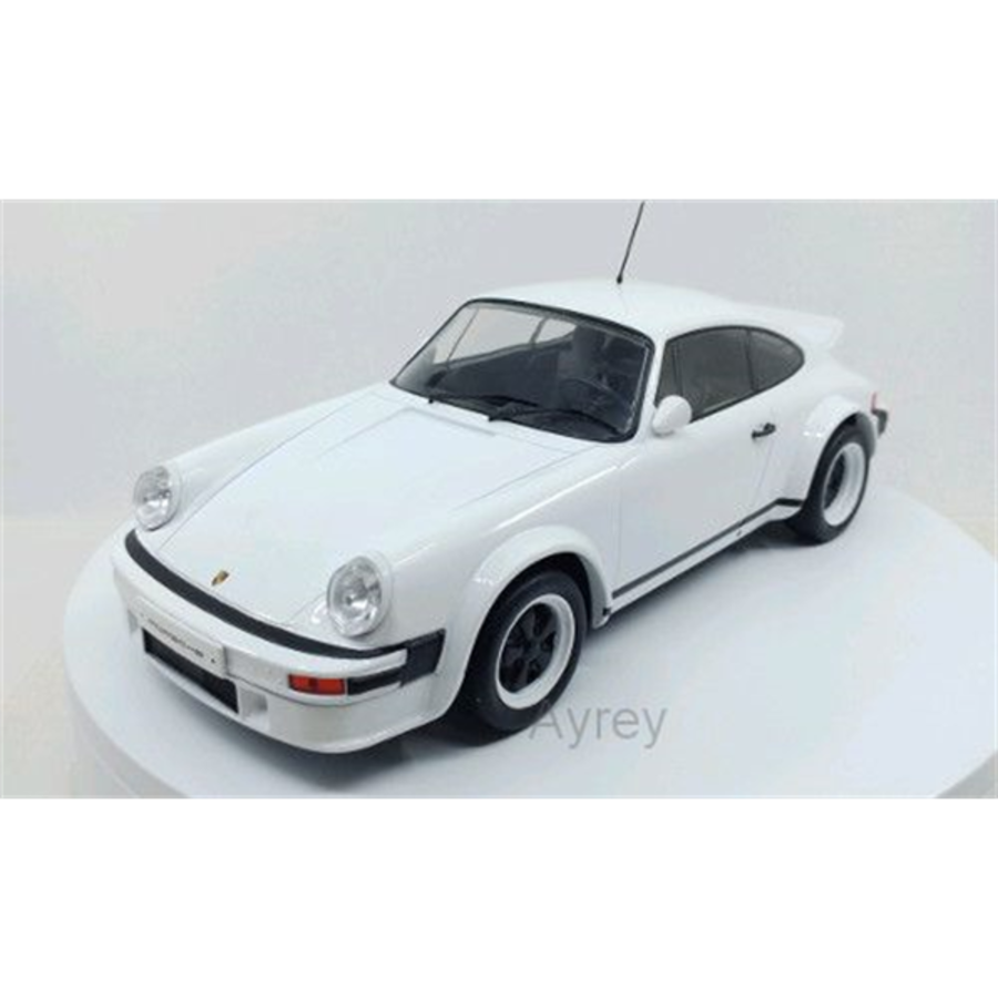 1/18 Porsche 911 Race Version Plain, white 1982 model car