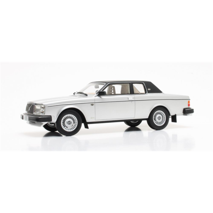 1/18 Volvo 262C Bertone Silver model car