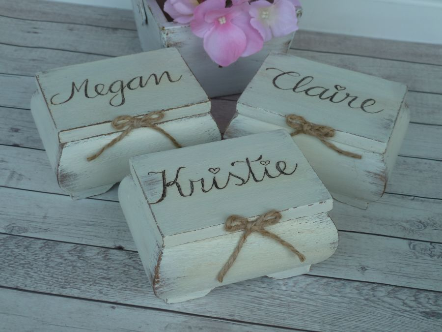 Maid Of Honor Gifts From Bride: Bridesmaid And Maid Of Honor Gift Box. Personalized