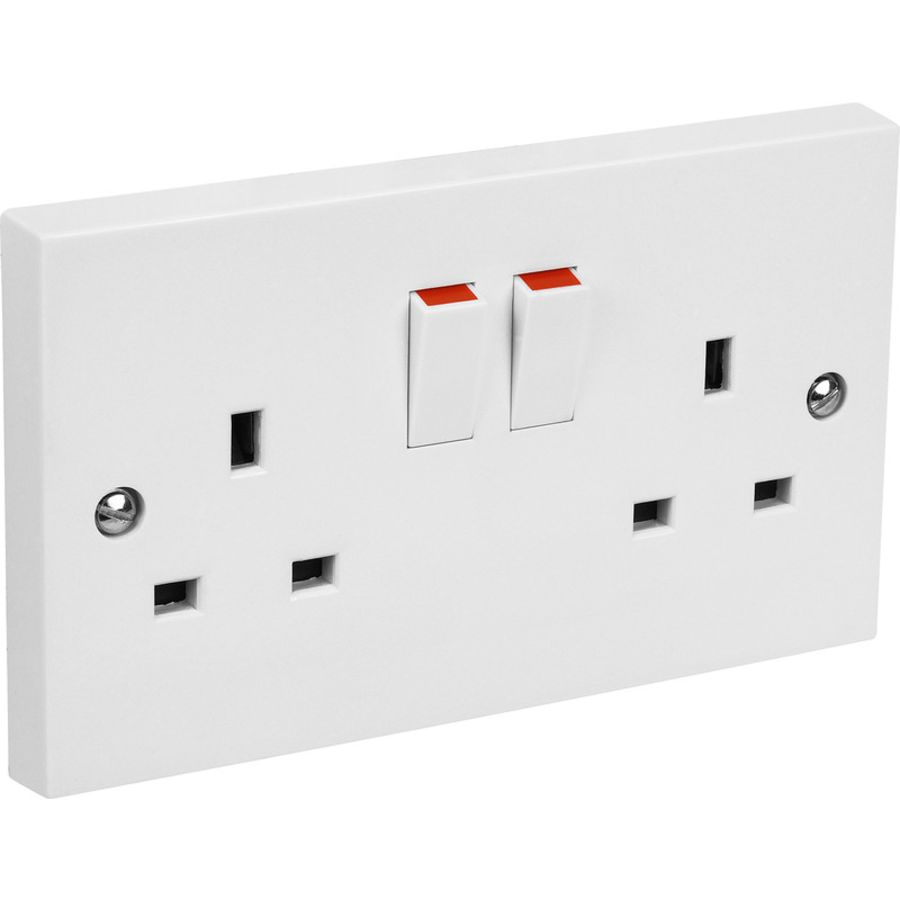 2 Gang White Plastic Switched Socket