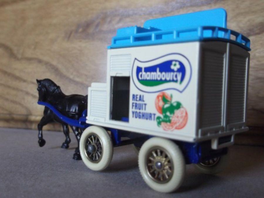 DG02001, Horse Drawn Milk Float, Chambourcy, Darker Blue Chassis