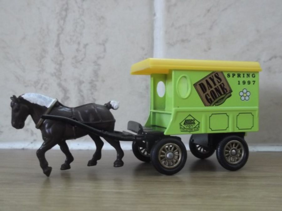 DG03016, Horse Drawn Delivery Van, Days Gone Collectors Club, Spring 1997