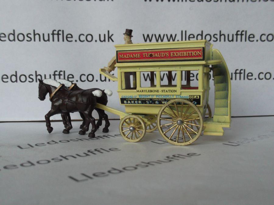 DG04017, Horse Drawn Omnibus, Madame Tussaud's Exhibition