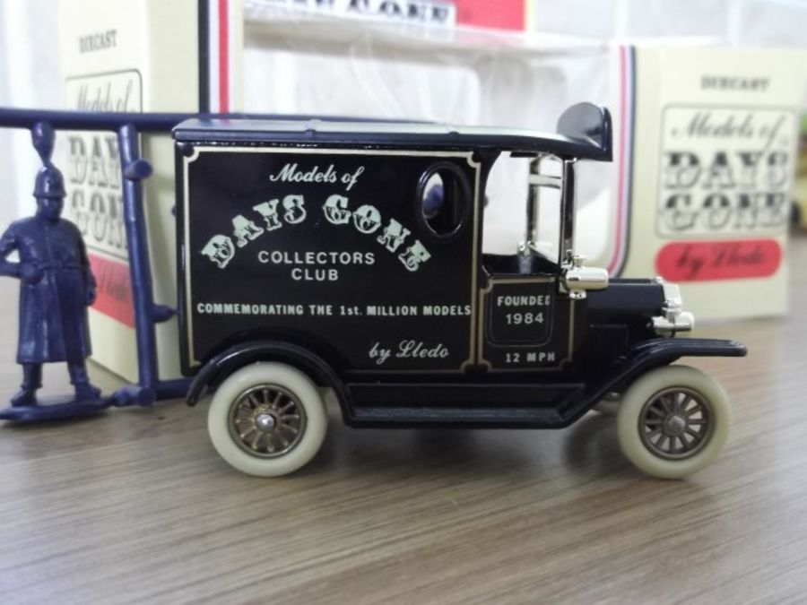 DG06013, Model T Ford Van, Days Gone Collectors Club , Lledo Calling