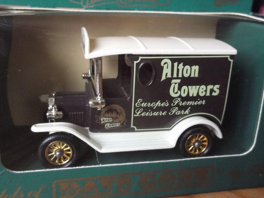 DG06044, Model T Ford Van, Alton Towers