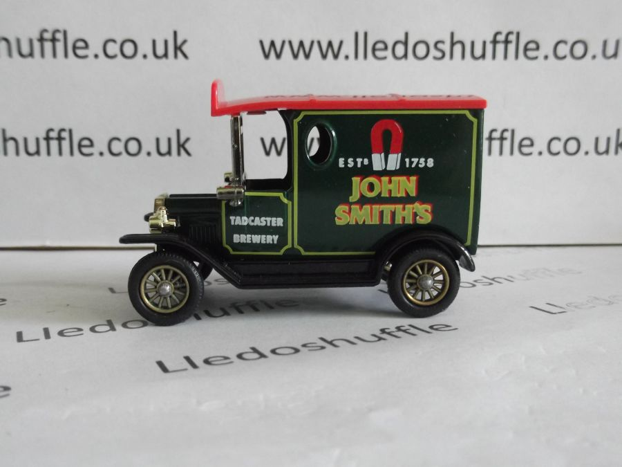 DG06047, Model T Ford Van, John Smiths