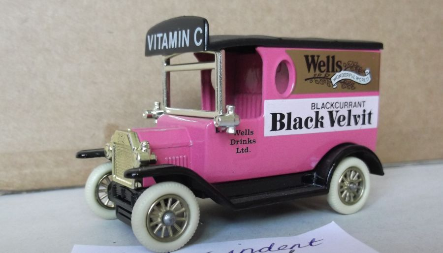 DG06060, Model T Ford Van, Wells Black Velvit