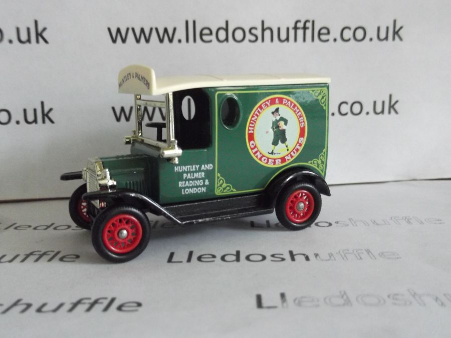 DG06109, Model T Ford Van, Huntley & Palmers Ginger Nuts