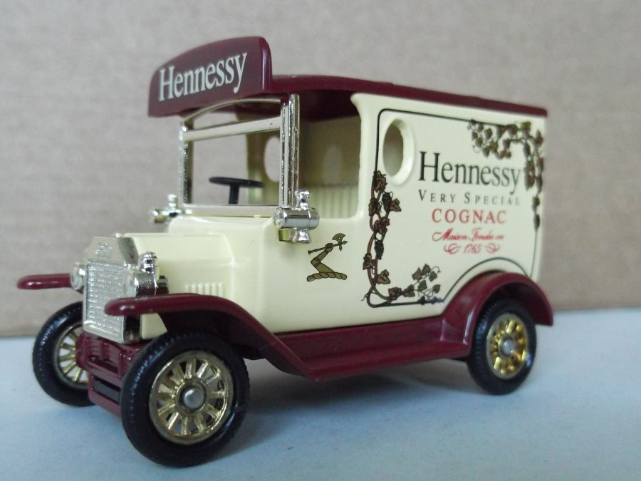 DG06171, Model T Ford Van, Hennessy Cognac