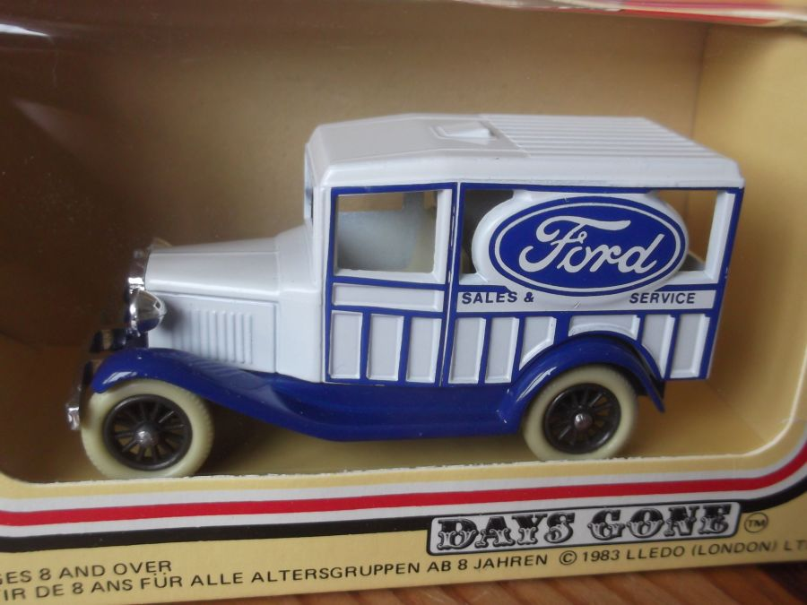 DG07002, Woody Wagon, Ford Sales & Service