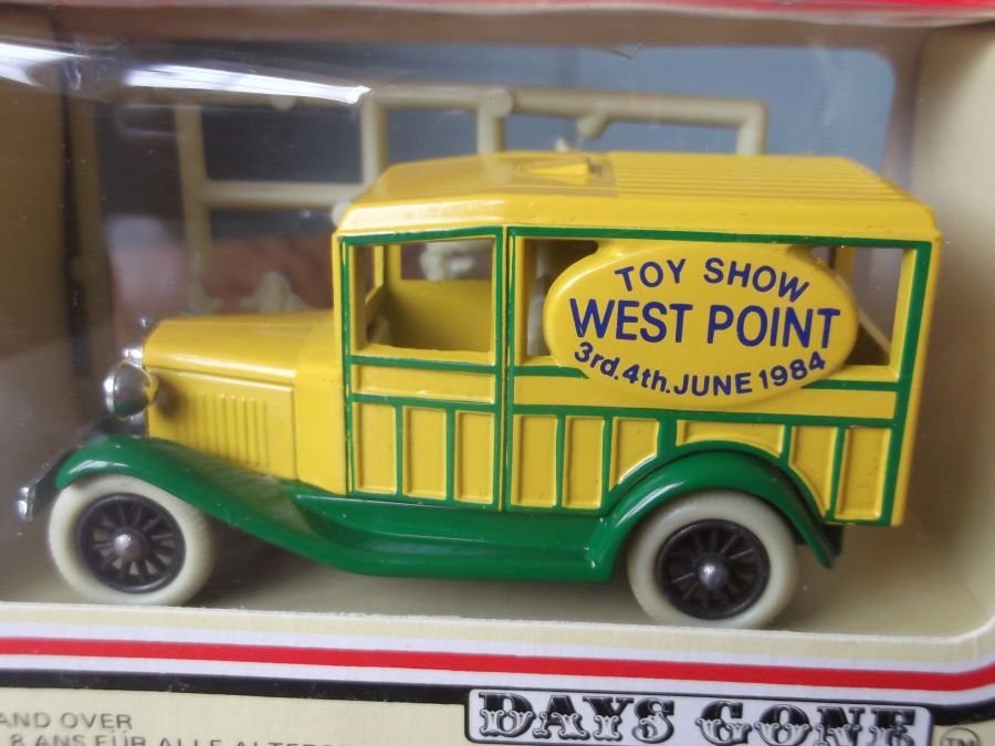 DG07003, Woody Wagon, West Point Toy Show