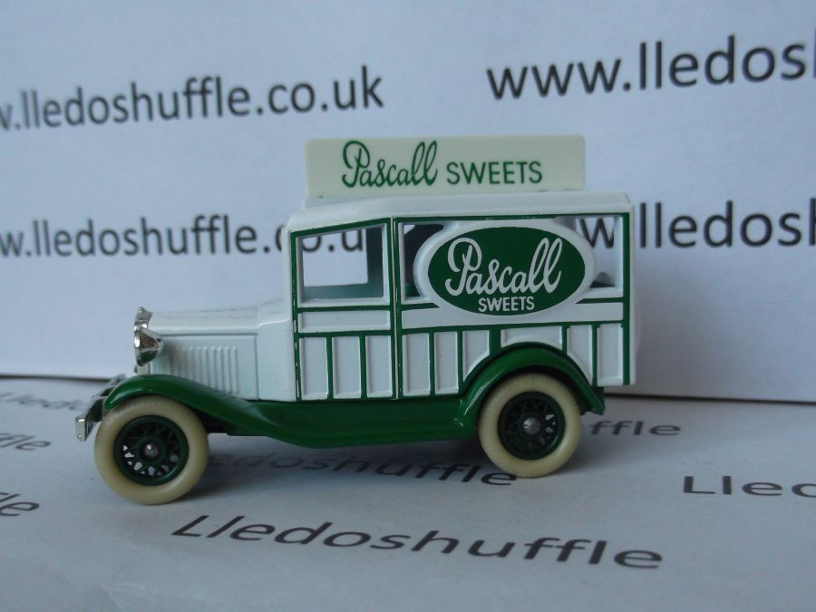 DG07009, Woody Wagon, Pascall Sweets
