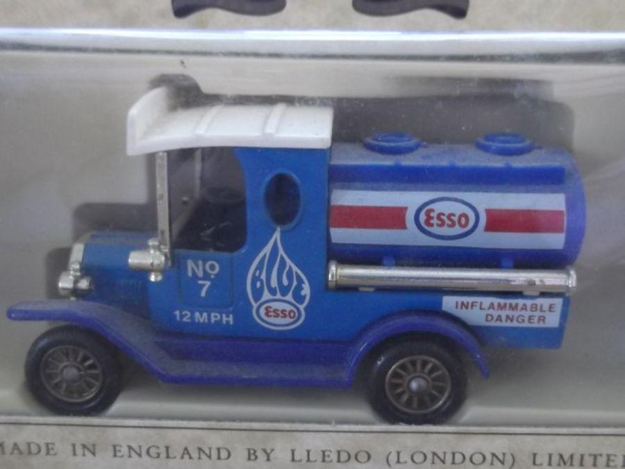 DG08000b, Model T Ford Tanker, Esso, Edocar