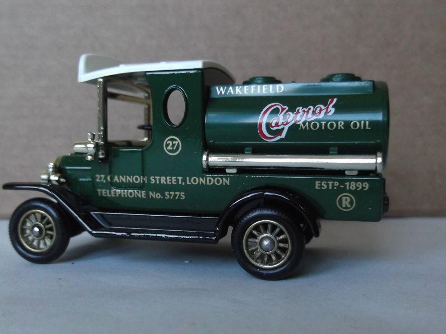 DG08002, Ford Tanker, Castrol