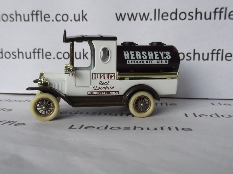 DG08008, Ford Tanker, Hersheys Chocolate Milk