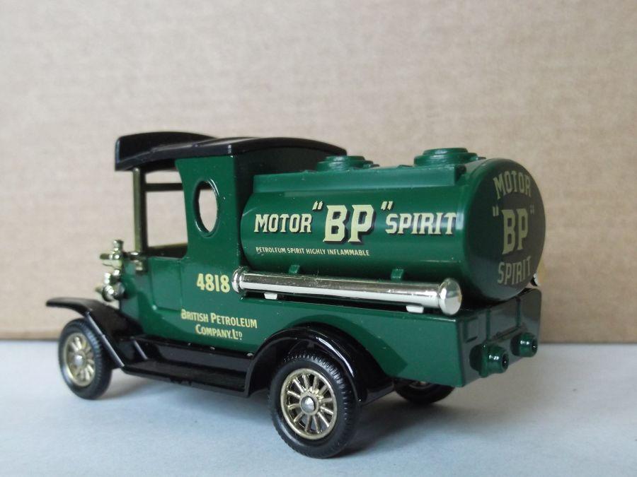 DG08015, Ford Tanker, BP Motor Spirit