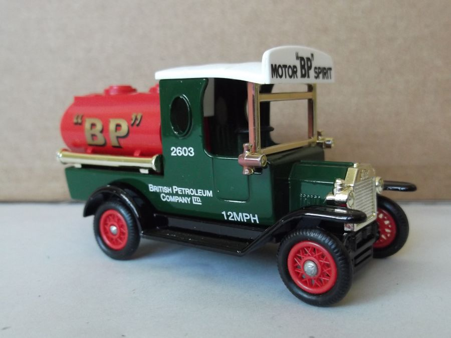 DG08023, Ford Tanker, BP