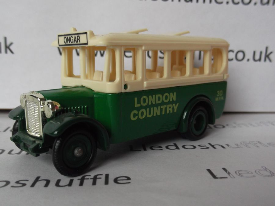 DG10008a, Dennis Single Deck Coach, London Country
