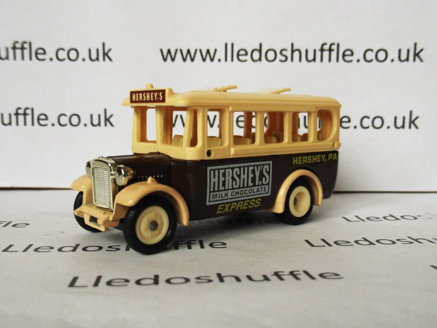 DG10017, Dennis Coach, Hersheys Milk Chocolate Express