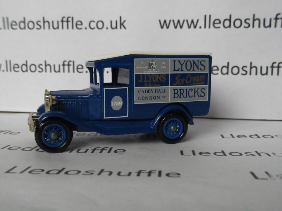 DG13022, Model A Ford Van, Lyons Ice Cream Bricks