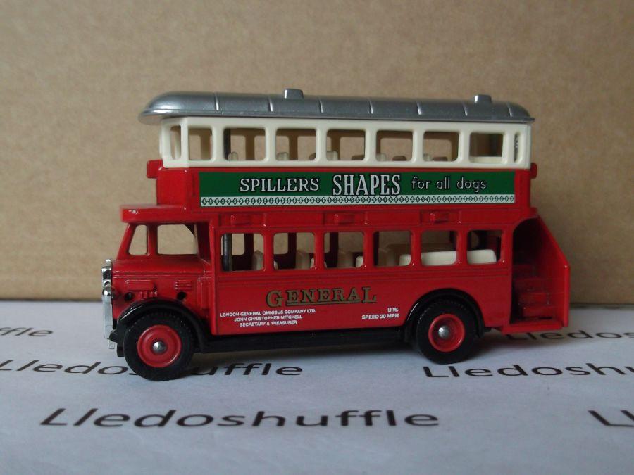 DG15039, AEC Regent Bus, Spillers Shapes
