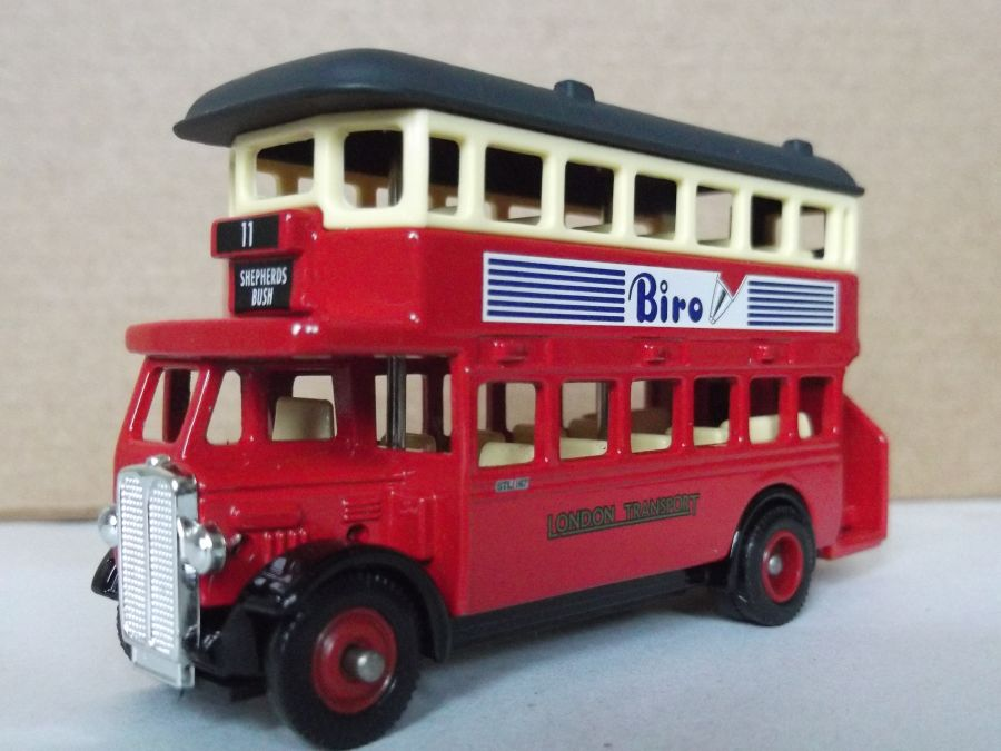 DG15046, AEC Regent Bus, Biro