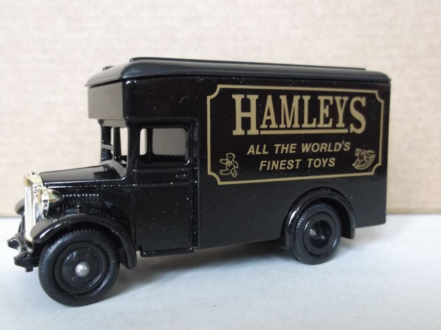 DG16003, Dennis Parcels Van, Hamleys (black)