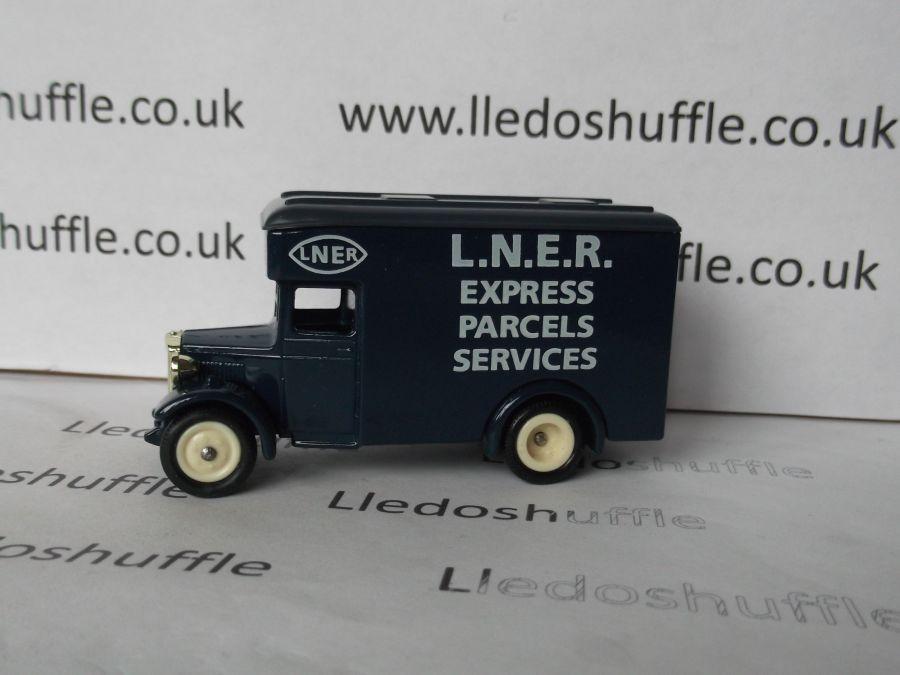 DG16005, Dennis Parcels Van, LNER Express Parcels Service
